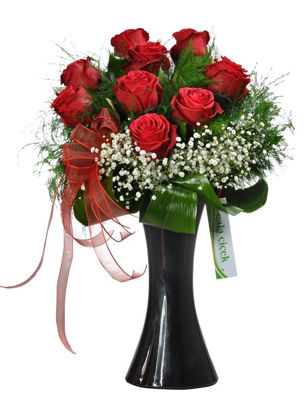 9 İthal Kırmızı Güller