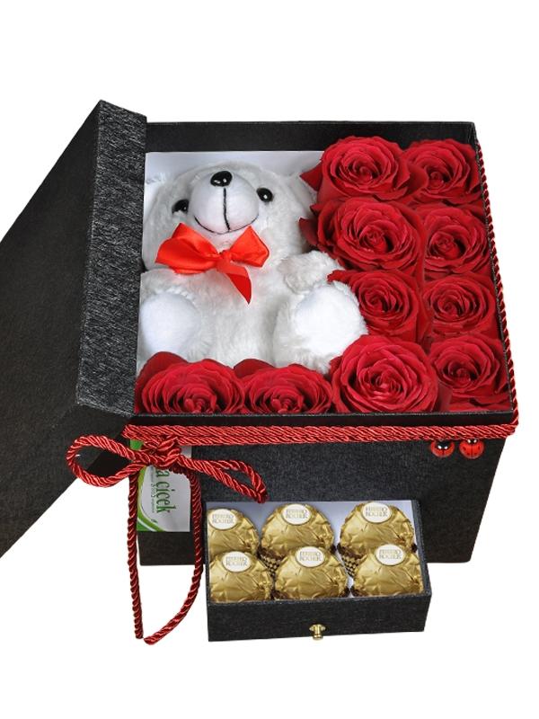Kutuda Güller &  Ayıcık ve Çikolata