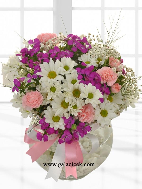 Mevsim Çiçeklerinden Cam Vazo Aranjman